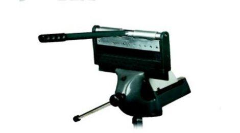 Kézi élhajlító FP30, satuba fogható 320mm max 2,5mm lemezhajlító